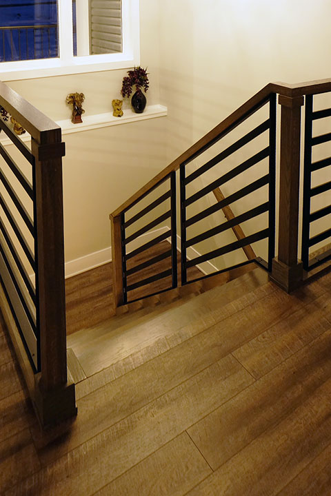 Wood Frame | Horizontal Bar | Welded Railing